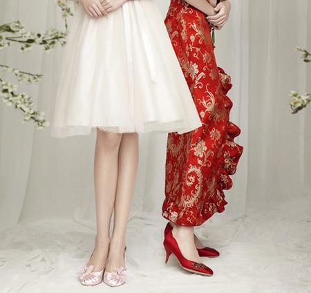婚纱与鞋子的搭配